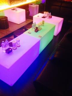 EXA ラウンジ LEDテーブル
