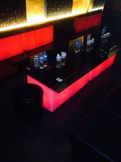 EXA LEDテーブル